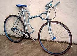 Custom vélo Velo_tordu
